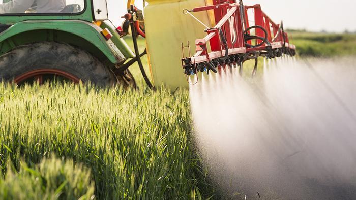 pestisit_traktor